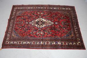 Budget. Matta från Iran, 298x208 cm. Klubbades för 1200 kronor på Effecta.