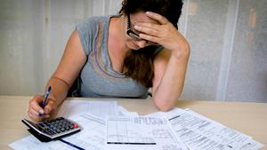 Sex procent upplever det som helt omöjligt att betala oförutsedda utgifter på 15 000 kronor.