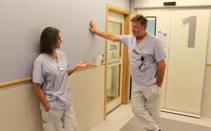 Vad kan vi göra åt att så många patienter uteblir från tarmundersökning? Skopisten Cathrine Theuer och överläkare Oskar Vandell diskuterar ett av de problem som finns på endoskopimottagningen på Gävle sjukhus.