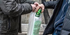 Ölförsäljningen stoppades av lärare på skolan. Foto: Claudio Bresciani/TT