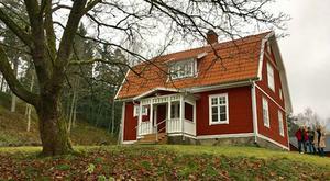 Renoveringen av enbostadshuset Hällstorp Hammaren är en av de nominerade i kategorin god byggnadsvård.