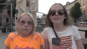 Sigrid Thysell 10 och Hilda Bengtsson 13 ville lyssna på gratispop.