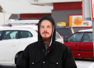 Emil Larsson, butikschef på Ica i Söråker.