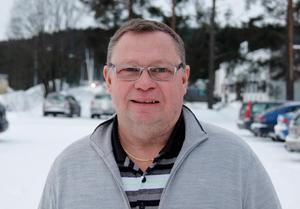 Ronnie Söderlund räknar med att arbetet ska vara klart till i maj.