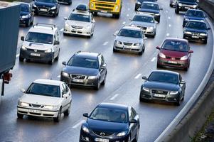 Trafiksituationen blir inte bättre med Tvärförbindelse Södertörn, enligt skribenten.
