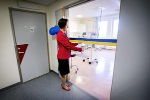 Invigning USÖ  psykiatrin - Ny  enhet för hjärnstimulering vid Universitetssjukhuset i Örebro. Karin Sundin (S) regionråd inviger mottagningen.