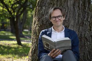 Daniel Golling, kurator på ArkDes i Stockholm, är en av få som har fått besöka Bergmans hus på Fårö. Foto: Jessica Gow / TT