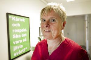 På ungdomsmottagningen i Hudiksvall händer det flera gånger i månaden att unga kvinnor inte har råd att lösa ut en karta p-piller. Barnmorskan Ing-Marie Andersson har tydligt sett att preventivmedel blivit en klassfråga sedan subventionerna togs bort år 2009.