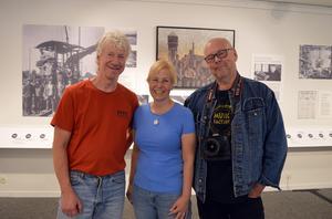 Konstnär Anders Björnhager, kommunikationsansvarig Anna Östlund och fotograf Hasse Eriksson är en del av arbetsgruppen som jobbat med utställningen om SSAB:s historia.