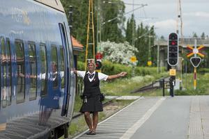 Skippa flyget och bilen och åk på tågsemester i sommar. Foto: Norrtåg/Peter Garpefjäll