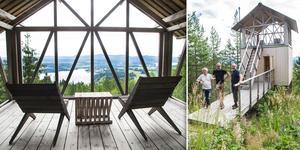 Från det unika lofthuset på Åsberget erbjuds en milsvid utsikt över landskapets skog och sjöar.