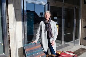 Anki Lindquist går en yrkesutbildning till tapetserare. Hon visade upp sitt hantverk under filmfestivalen.