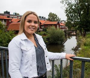 När Emma var yngre spelade hon fotboll i IFK:s F99/00-lag.