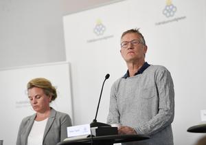 Johanna Sandwall, krisberedskapschef Socialstyrelsen och Anders Tegnell, statsepidemiolog Folkhälsomyndigheten. Foto: Pontus Lundahl