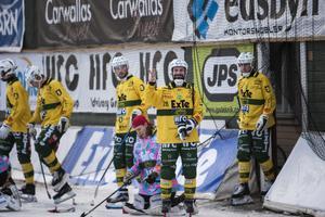 Pär Törnberg gjorde en säsong i allsvenskan med Ljusdals BK, ett år där mittfältaren trivdes bra. LBK gick till kval men missade avancemang till elitserien.