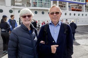 Ulla och Håkan Kastlander från Värmdö besökte sina gamla grannar som flyttat upp till Härnösand.