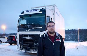 Chauffören Mattias Söderberg har varit sjukskriven från jobbet i tre år.