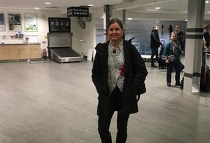 Charlotte Vikström väntades på flygplatsen i Luleå. Bild: Privat