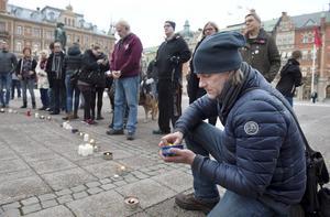En av dem som besökte ljusmanifestationen var Kalle K, som har många vänner som har gått bort till följd av drogmissbruk.