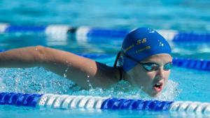 Clara Bergh lyckades att ta sig in på topp tre rankingen på 1500 fritt i sin åldersklass samt topp fem på 200 fjäril.