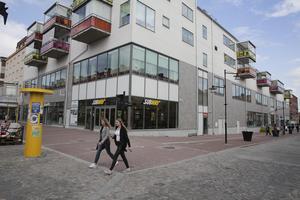 Ludvikahem är öppna för att sälja den del av gallerian som färdigställdes 2010. Med en försäljning skulle bolaget få kapital som kan användas för nybyggen.