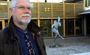 I närmre 40 år arbetade Mats Runering med kulturfrågor inom Kumla kommun. Bland annat som kulturintendent. Foto: NA arkiv