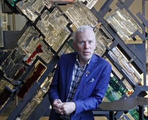 Lars Kallsäby (C) har suttit i alla nämnder och styrelser i Västerås stad. Första uppdraget var i styrelsen för renhållningsverket 1982. Nu är han ordförande i kommunfullmäktige.