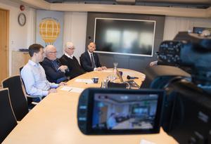 Allianspartierna har förklarat att de vill styra Norrtälje. Det borde fungera, trots att partierna saknar majoritet i kommunfullmäktige. Men de bör hela tiden söka breda lösningar över blockgränsen för att undvika att Sverigedemokraterna ges inflytande.