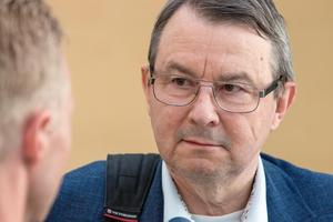 Jan Herelius, kvinnans advokat.