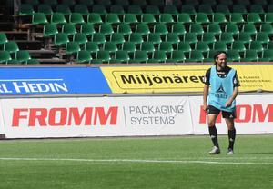 Lagkaptenen Robbin Sellin har börjat de tre senaste matcherna på bänken men hjälpte till att vända matchen senast mot Mjällby.
