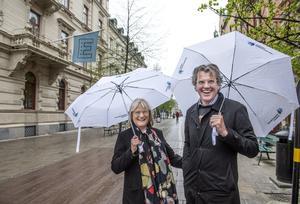 Jag önskar Anders Tjacka och Lotta Holmlund varmt lycka till – och håller tummarna för en fantastisk torgfest, skriver