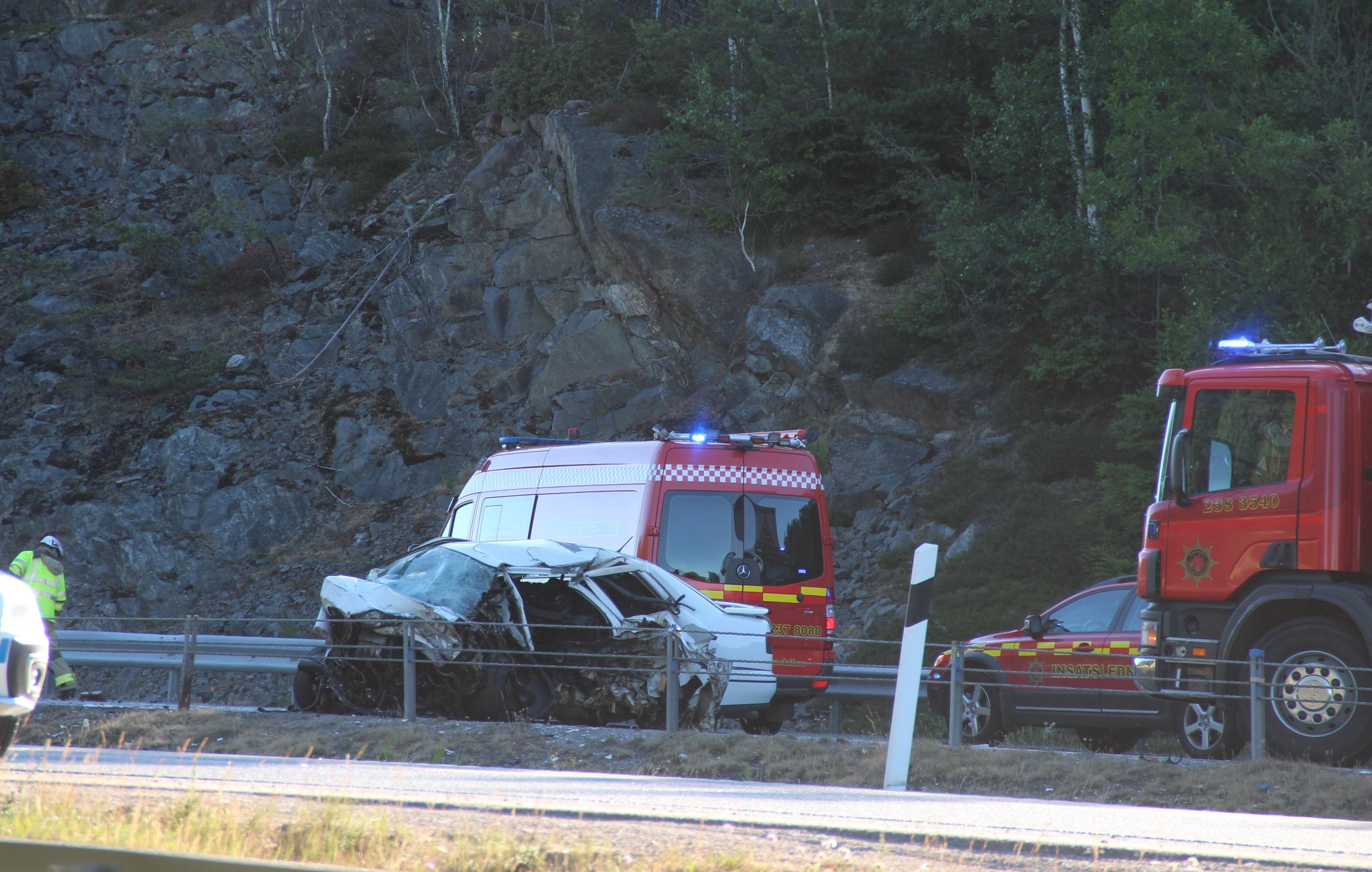 Fyra till sjukhus efter olycka en allvarligt skadad