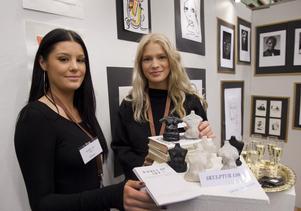 Felicia Wallström och Tove Berglund från Ållebergsgymnasiet, driver Women of art.