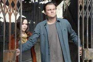 Dreamteam. Ellen Page och Leonardo DiCaprio tar hissen ner i det undermedvetna.                                                                         Foto: Sandrew Metronome
