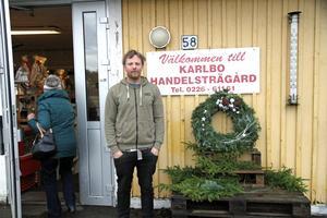 Robert Eriksson tror att det behövs en grannsamverkan i Karlbo.