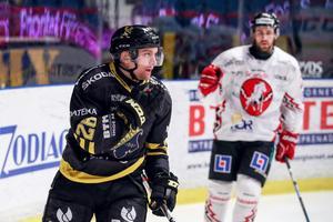 Sätersonen och Mora IK-produkten Jens Jakobs får se sig om efter en ny klubb. Foto: Kenta Jönsson/Bildbyrån