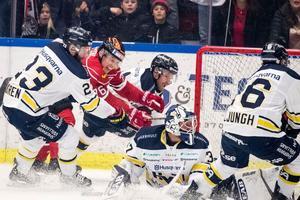 En bild från förra säsongen när HV71 var iBehrn Arena. Då blev det förlust med 1-5. Andra siffror den här gången?