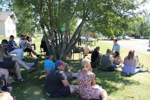 Många kom för att nyfiket lyssna på Jan-Eirik Johansens tal.