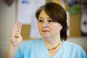 Susanne Axlund Andersson hoppas att fler äldre ska få skölja fluor.