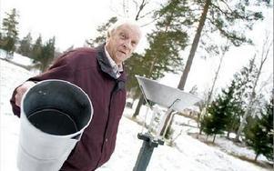 -- Vi går mot varmare tider, säger Arne Sundström som varit SMHI:s väderobservatör i Grycksbo i 50 år.FOTO: ANNIKA BJÖRNDOTTER
