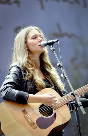 Även Melissa Horn spelar på sommarens festival.