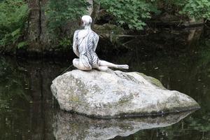 Detta är en bild i tiden från Skulpturparken i Ängelsberg Västmanland. Foto: Wendela Dehlin