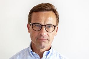 Ulf Kristersson deltog vid en presskonferens på brandstationen i Sveg under lördagen.