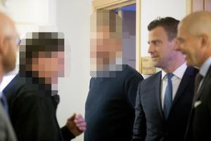 Två män utöver Daniel Kindberg står åtalade i ärendet.