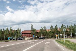 Projektet med en cirkulationsplats vid korsningen Nybrogatan och Hanröleden