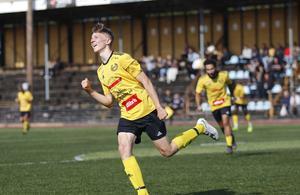 Heby AIF:s Samuel Granlund jublar efter sitt 1-0-mål.