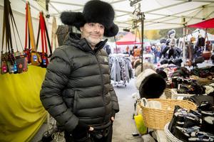 George Karmandjian från Kiruna sålde pälsmössor och varma finska kläder.