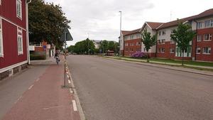En av busshållplatserna som till hösten kommer tillgänglighetsanpassas med bredare plattform. Bild: Gävle kommun