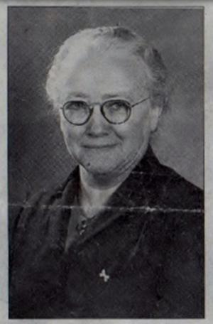 Agnes Olsson (1888-1980) var föreståndarinna på Sparvboet under drygt 30 år. Hon kom från en familj med åtta syskon. Hon var konstintresserad och gick ofta på konstutställningar och var verksam som amatörskulptris.