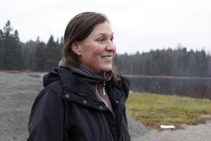 Stina Munters (C), kommunalråd i Vansbro, vill gärna ha bron kvar, men någon annan får gärna stå för kostnaderna.
